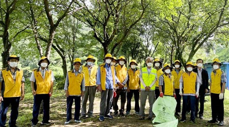 쌍책면 노인회분회 자원봉사클럽 환경정화활동